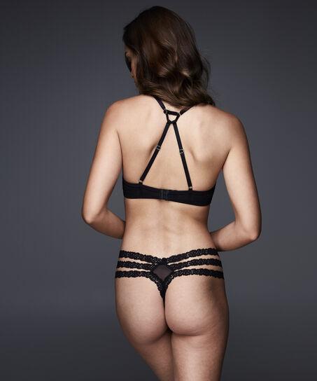String Antonia, Zwart