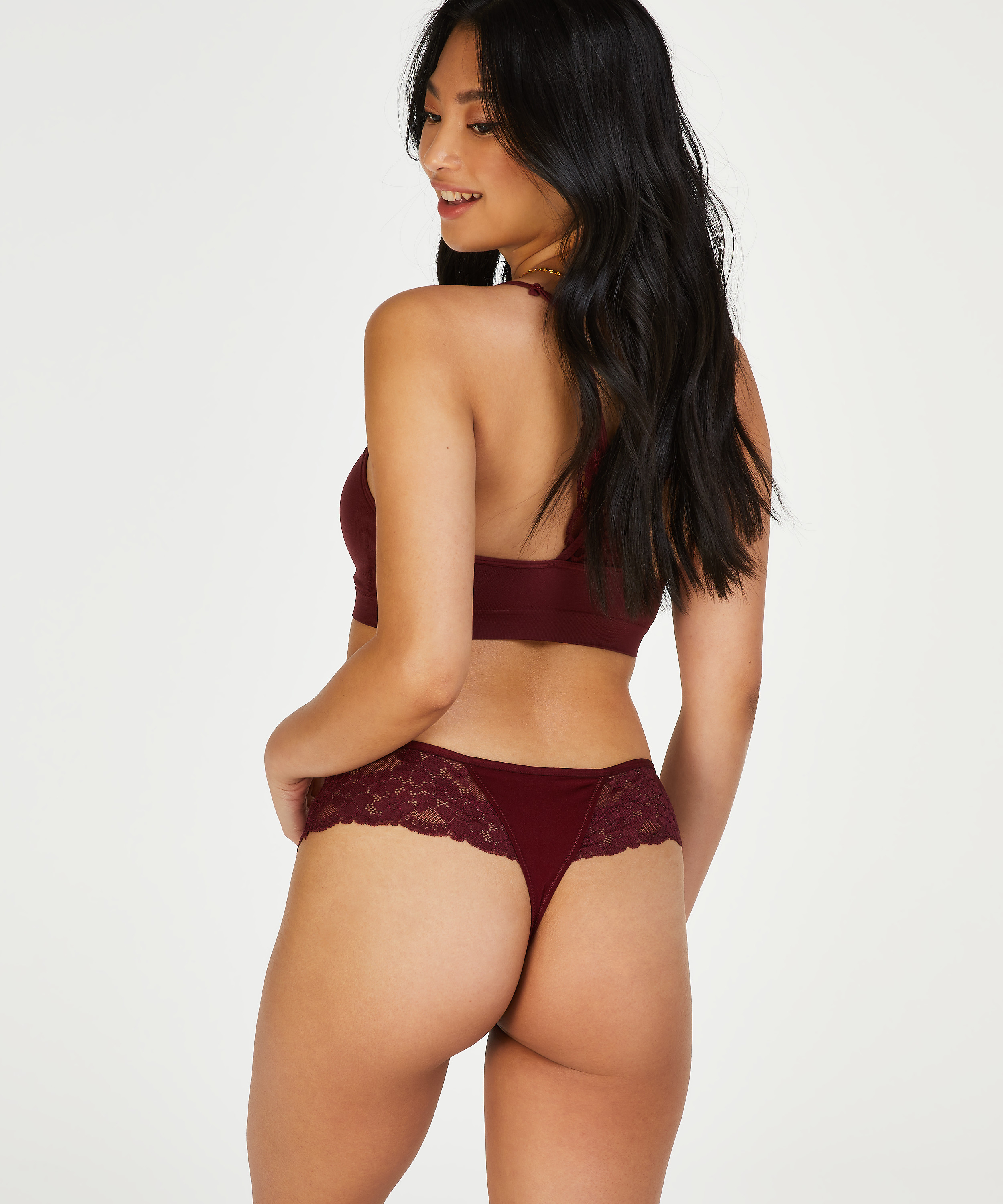 Boxerstring Nellie, Rood, main