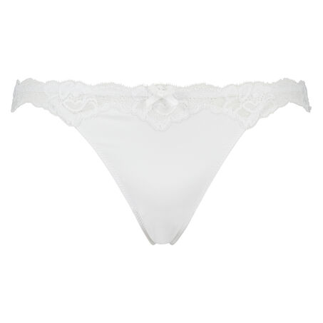 String Secret Lace, Wit