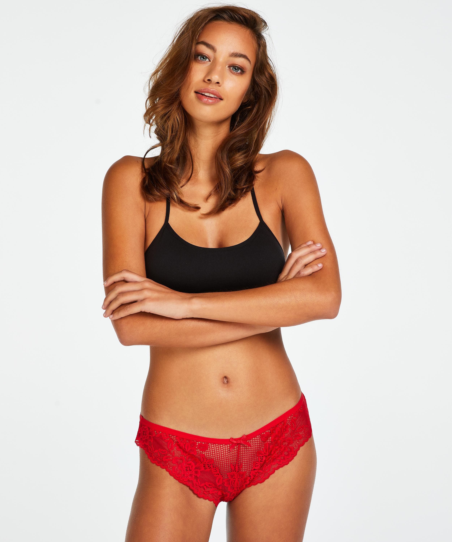 Brazilian Bianca, Rood, main