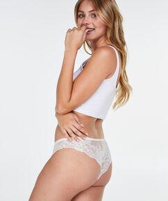 Brazilian Bianca, Wit