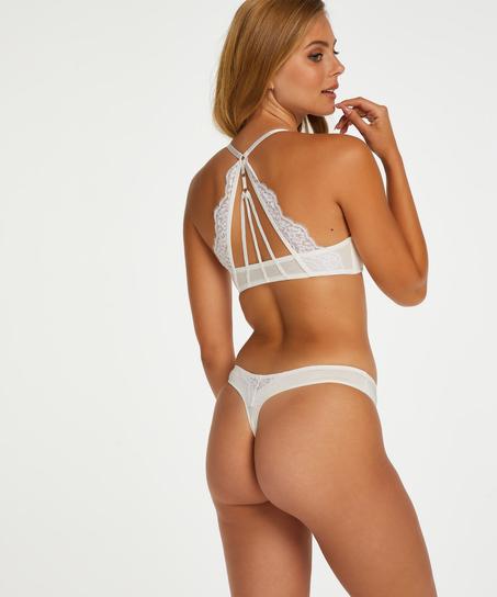String Melissa, Wit
