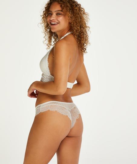 Brazilian Aylin, Wit