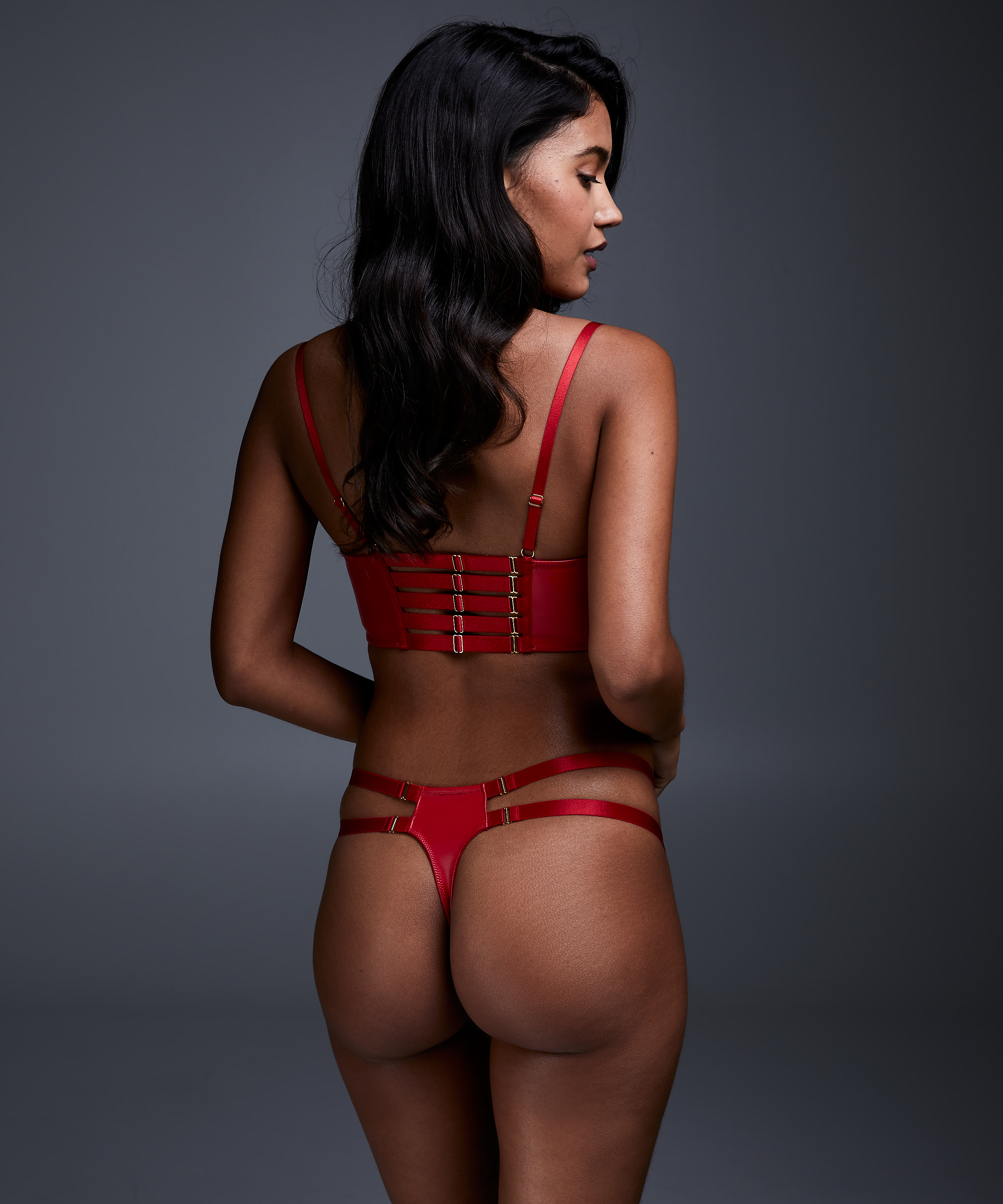 String Kennedy, Rood, main