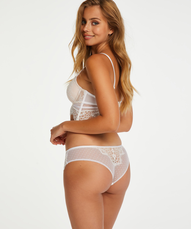 Brazilian Marilee, Wit, main