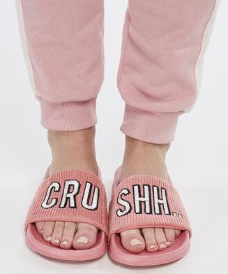 Slipper Crush, Roze
