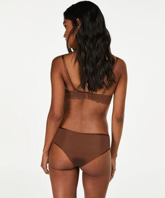 Brazilian Angie Nude, Bruin