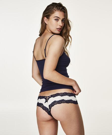 Brazilian Meredith, Wit