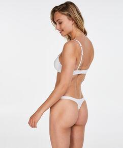 String Secret Lace, Wit
