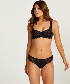 Brazilian Leyla, Zwart