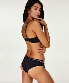 Brazilian Gigi, Zwart