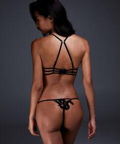 String Yuna, Zwart