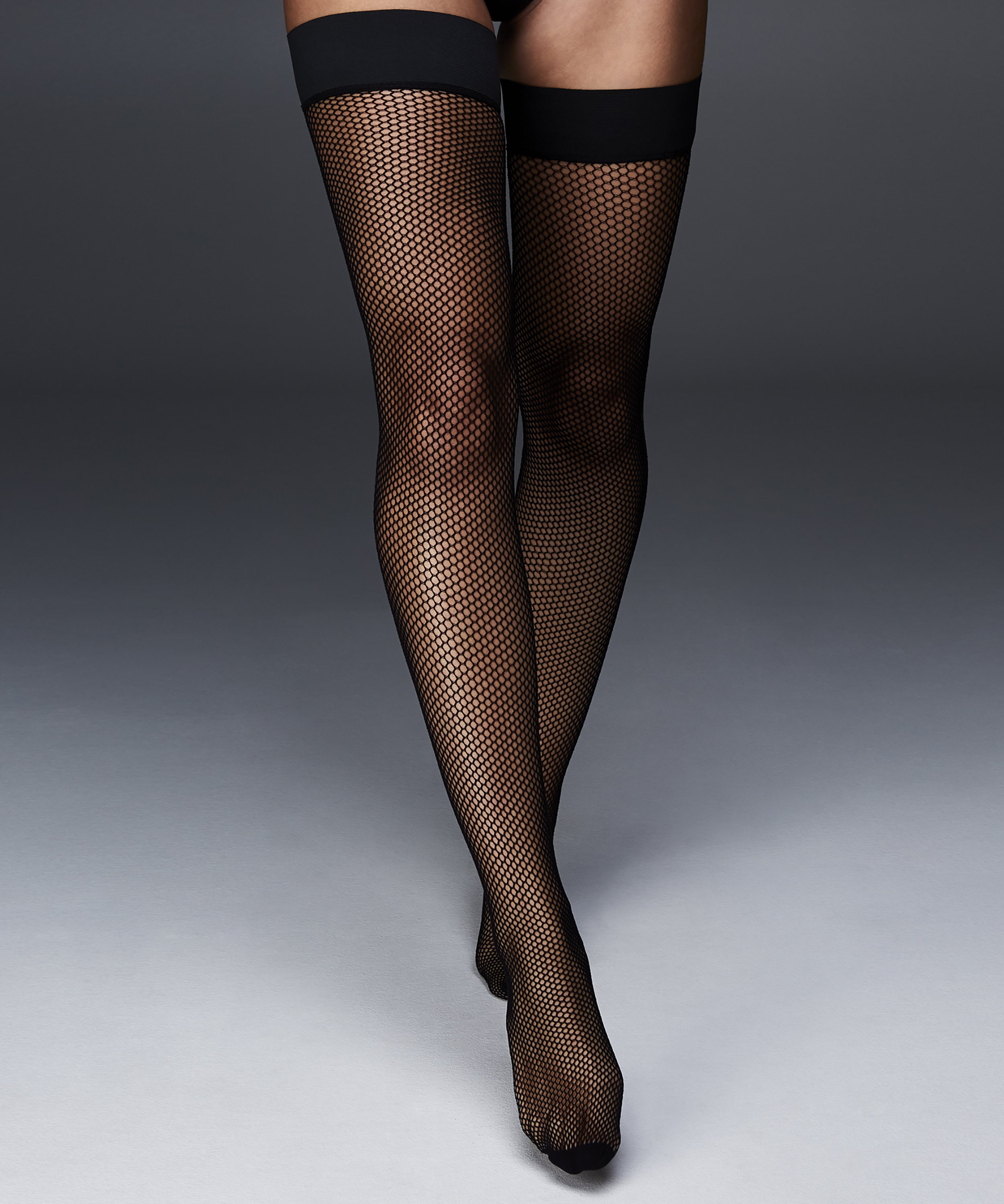 Stay-up Private Fishnet Open Back, Zwart, main