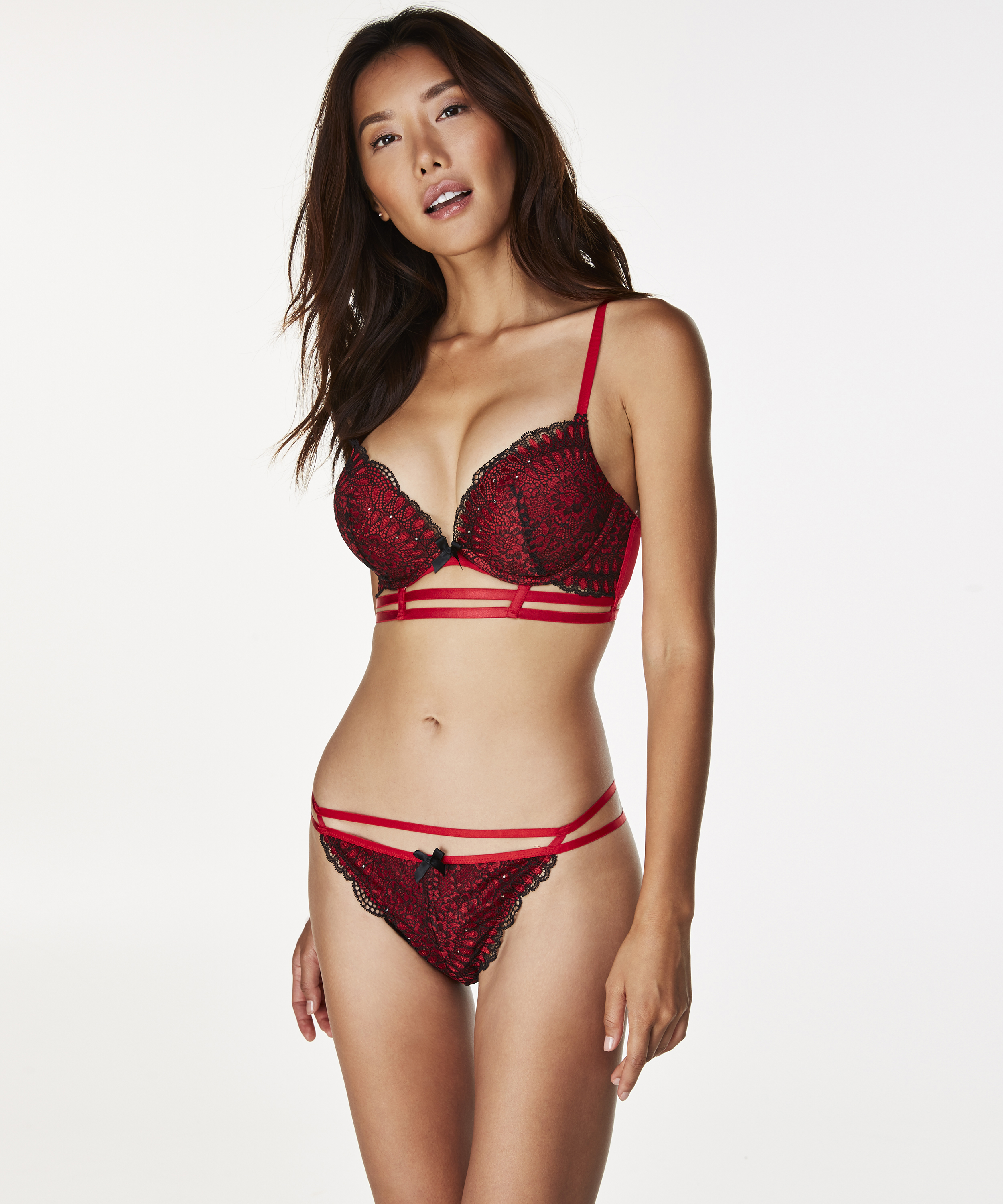 String Emery, Rood, main